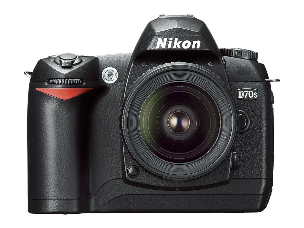 Nikon d70s body... D70 Nikon